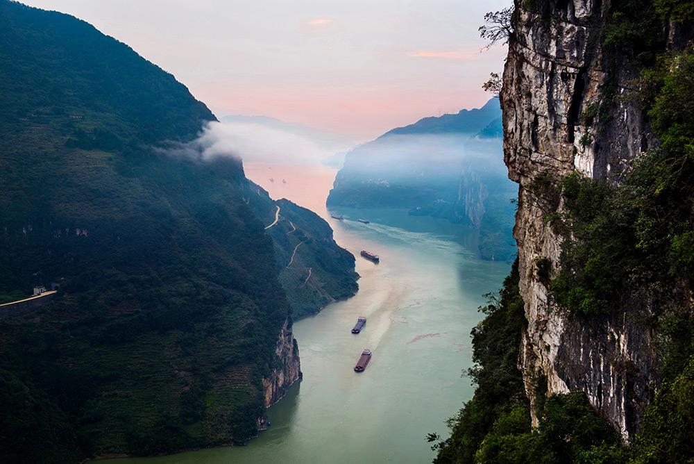 """三峡库区蓄水呈现""""高峡平湖""""景观"""